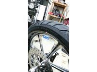 三重県 津市 ハーレー ファットボーイ タイヤ交換 AVON カスタムバイク 最新タイヤ