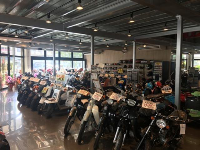 店内には常時50台以上展示!あなたにぴったりのバイクを一緒に探します!