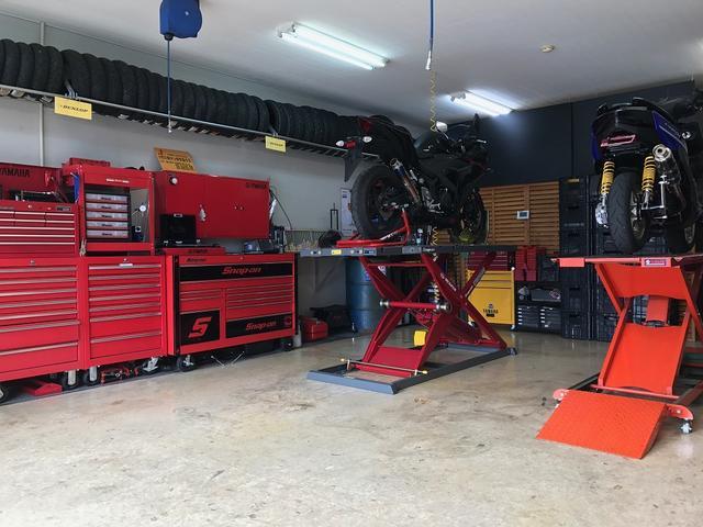 認証工場・国家二級自動車整備士資格を取得してます整備士が整備・修理しますので安心です
