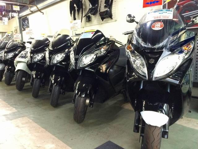 人気のスカイウェイブから大型バイクまで取り揃えております!!
