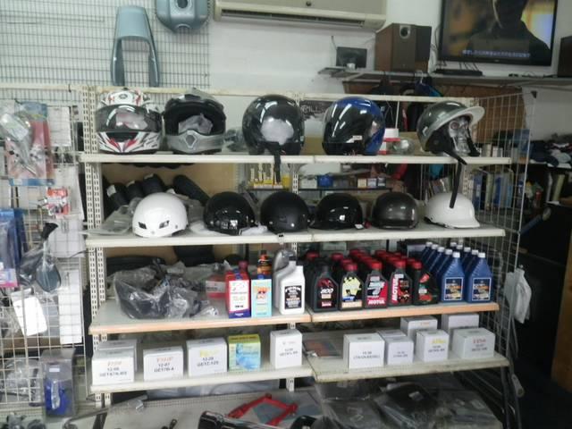 ヘルメットやその他パーツあり!