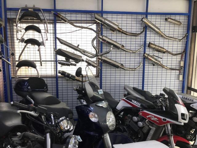 用品も取り扱いしてますので、バイクのことならお気軽にご相談ください。