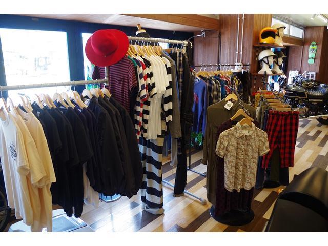 セレクトブランドを中心にオリジナルブランド商品・厳選した古着も取り揃えております。